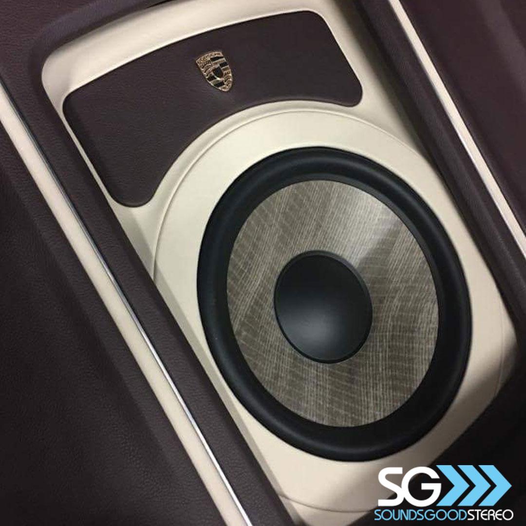 porsche-panamera-audio-system-7